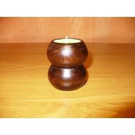 Dřevěný soustružený svícen