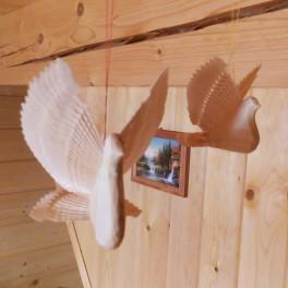 Dřevěná holubička štípaná menší