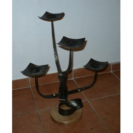 Svícen pro čtyři svíce